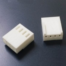 4-Pin PWM Fan Female Connector (White) with Pins